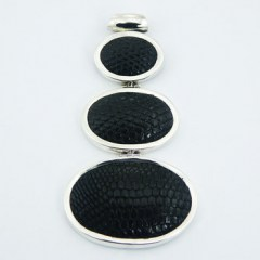 pendants-leather-pendants