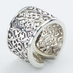 rings-silver-band-rings