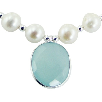 Pearl bracelet chalcedony charm and silver butterfly 2
