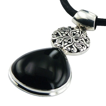 Silver pendant with black agate and figured disc