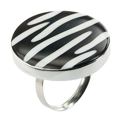 silver-shell-rings/dashing-zebra-pattern-shell
