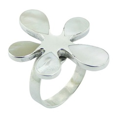High fashion mother of pearl sterling silver flower shaped ring