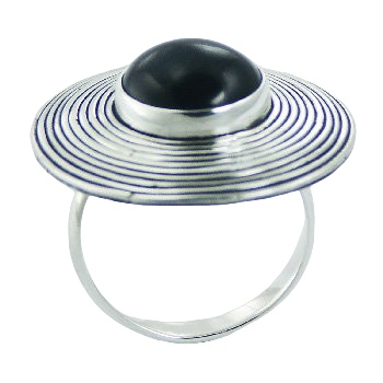 Fluted flange black agate silver ring